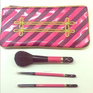 MAC makeup brush holiday set